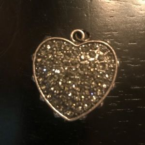 Jewelry - Grey stone heart charm